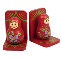 17jan trade aid nesting doll bookends