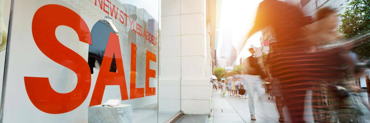 20nov 10 tips for shopping summer sales hero
