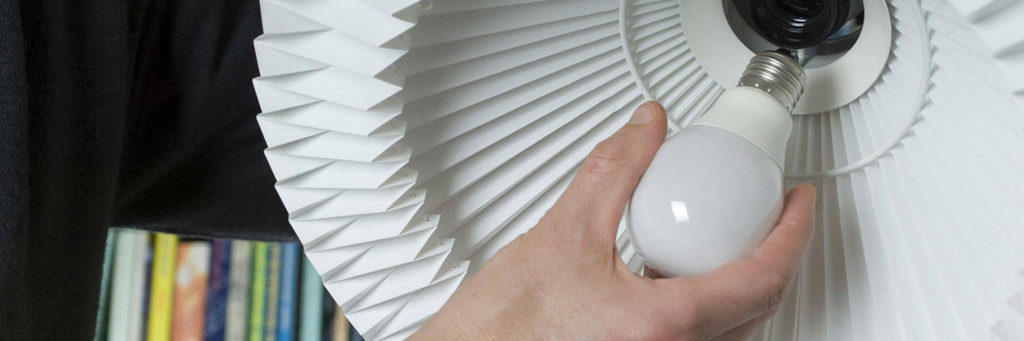 installing a lightbulb