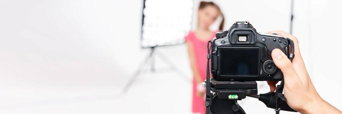 17jan photo studio breaches privacy act hero