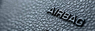 airbag label on steering wheel