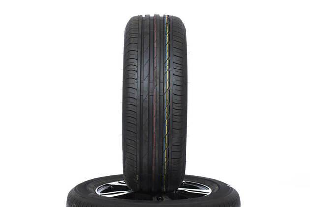 Bridgestone Turanza T001 (215/60 R16)