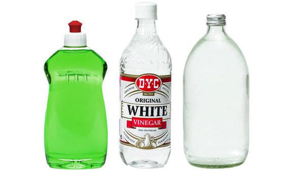 Dishwashing liquid, vinegar and water