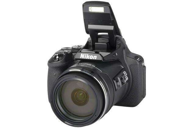 Nikon Coolpix P900 (with 4.3-357mm lens)