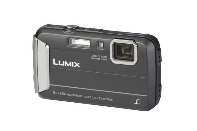 Panasonic Lumix DMC-FT30 (with 4.5-18mm lens)