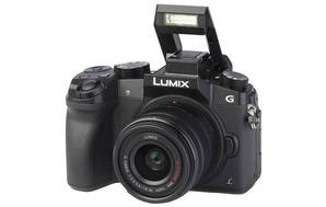 Lumix DMC-G7K (with 14-42mm lens)