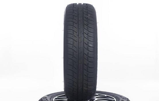 Advantage T/A Drive (195/65 R15)
