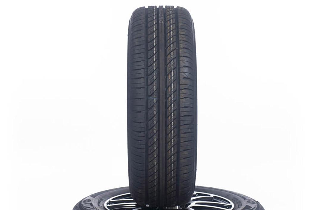 Achilles car tyre