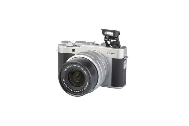 Fujifilm X-A5 (with 15-45mm lens)