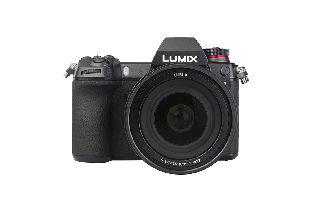 Panasonic LUMIX S1 (with 24-105mm)