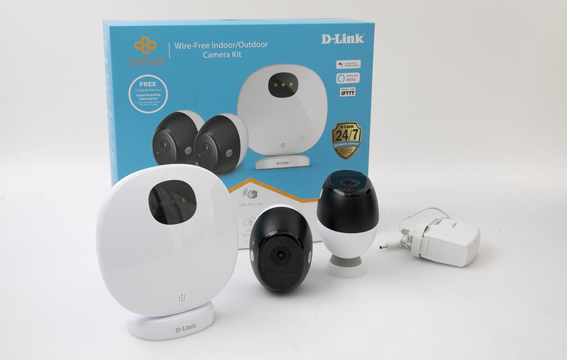 D-Link Omna Wire-Free Indoor/Outdoor Camera Kit DCS-2802KT