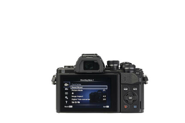 Olympus OM-D E-M10 Mark II (with 14-42mm lens)