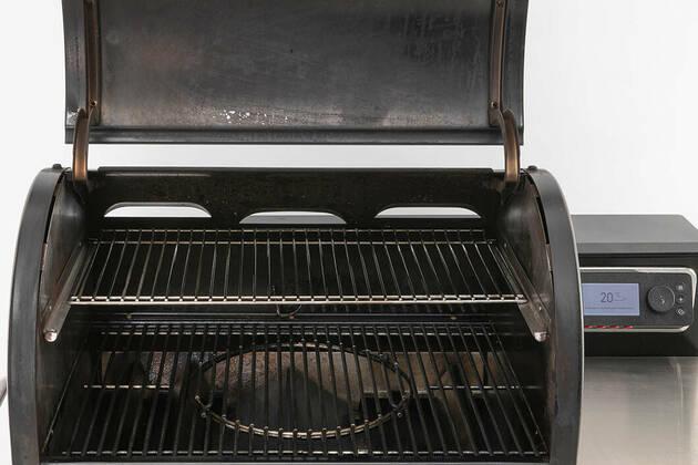 Weber Smokefire EX4 Pellet Grill Black
